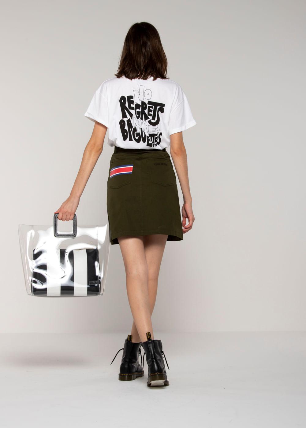 Camiseta No Regrets Oversized  Branca M