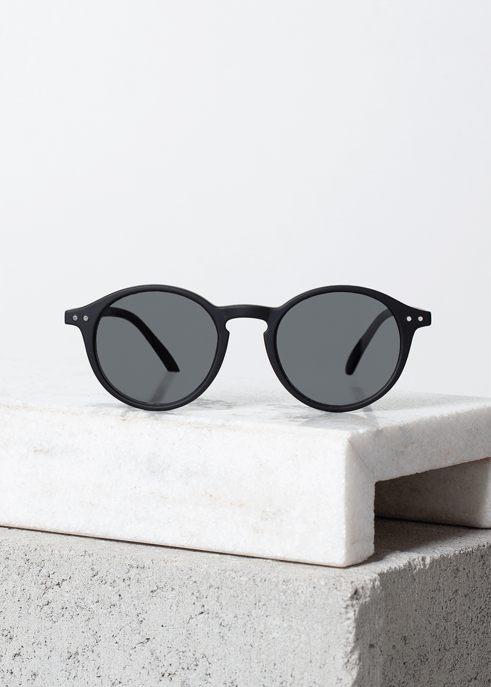 Óculos De Sol Com Armação Redonda Black D Preta U